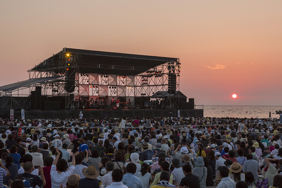 夕日コンサート画像2.jpg