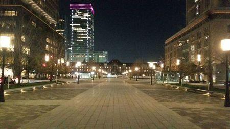 東京駅前.jpg